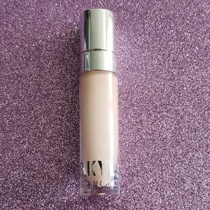 Kylie Cosmetics Concealer in Pearl